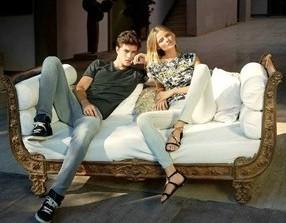 Francisco Lachowski - бразильская фотомодель и Frida Gustavsson - шведская топ-модель активно участвуют в рекламных кампаниях Mavi Jeans.