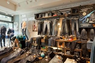 Новая концепция розничных продаж Mavi Denim Kitchen в Берлине магазине Mavi.
